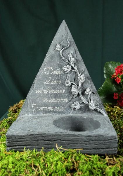 """Grabpyramide """"Deine Liebe wird..."""""""