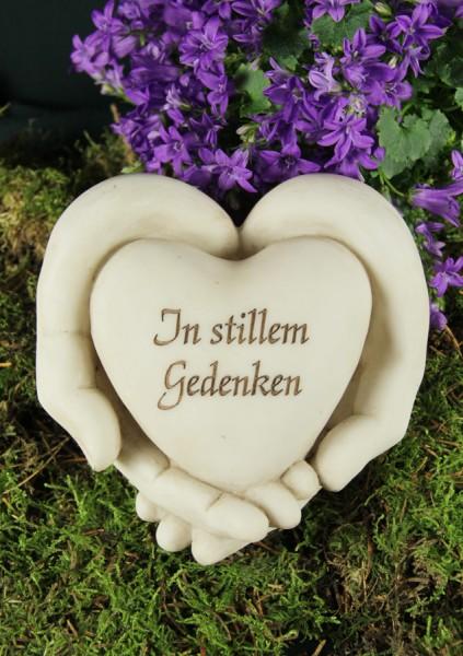 """Grabschmuck Hände mit Herz, Aufschrift """"In stillem Gedenken"""""""