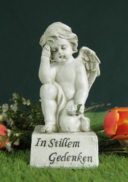 """Engel auf Sockel, """"In stillem Gedenken"""""""
