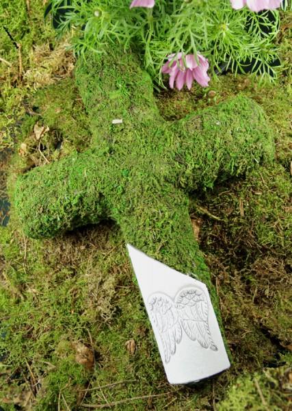 Grabkreuz aus Moos