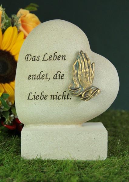 """Grabherz mit betenden Händen """"Das Leben endet..."""""""